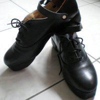 Hard shoes noires très bon état, taille 12,5